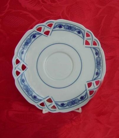 Cibulák Podšálek čaj ozdobný 15,3 cm originální cibulákový porcelán Dubí, cibulový vzor,