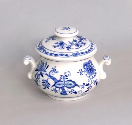 Cibulák Zapékací hrnek s oušky a s víčkem s úchytkou 0,50 l originální cibulákový porcelán Dubí, cibulový vzor