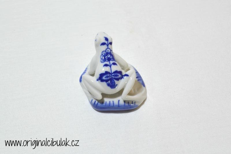 Cibulák Žabka 5,5 cm originální cibulákový porcelán Dubí, cibulový vzor,