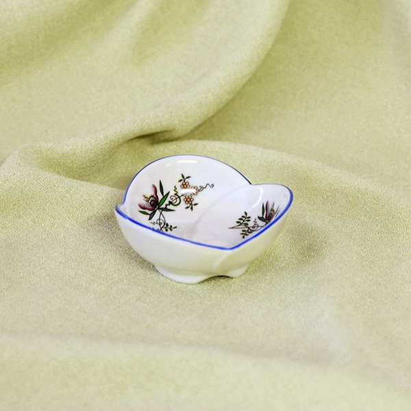 Miska trojlístek 3,7 cm, NATURE barevný cibulák, cibulový porcelán Dubí