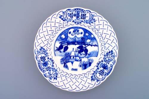 Cibulák Talíř výroční 2002 závěsný reliéfní 18 cm , originální cibulákový porcelán Dubí , cibulový vzor,