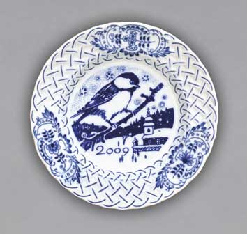 Cibulák Talíř výroční 2009 závěsný reliéfní 18 cm , originální cibulákový porcelán Dubí , cibulový vzor,