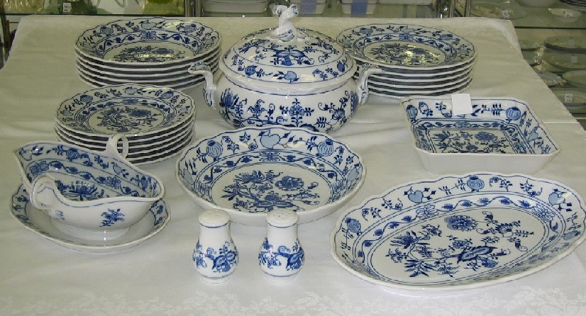 Cibulák jídelní sada 25 ks, J1 - originální cibulák, cibulový porcelán Dubí