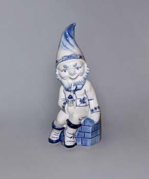 Cibulák Trpaslík sedící s fajfkou Petrus 22 cm originální cibulákový porcelán Dubí, cibulový vzor